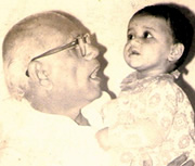Shantaram Athavale with his granddaughter Asmita